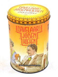 """Tin Davelaar Jodenkoeken, 1983 Published on the occasion of the 100th anniversary, 1883 - 1983.   Height: 16 cm.  Diameter: 11 cm.  A jodenkoek (in Dutch, literally """"Jew cookie"""", plural jodenkoeken) is a big, flat, round shortbread cookie with a diameter of about 10 centimeters.  http://www.mijnwebwinkel.nl/winkel/kenko/en_GB/a-46347473/tins/tin-davelaar-jodenkoeken-1983/"""