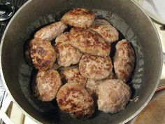 Authentic Russian Meal - Kasha y Kotletki  Recipe in English:  http://www.ruscuisine.com/recipes/meat-dishes/n--606/