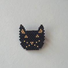 Broche chat noir tissée en perles miuyki