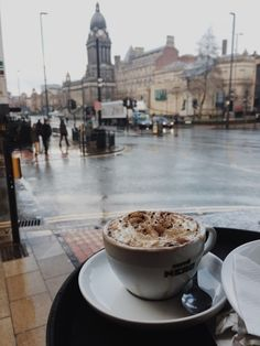 Perfect time and athmospherefor coffe But First Coffee, I Love Coffee, Coffee Break, Morning Coffee, Coffee Shops, Coffee Mugs, Healthy Bowl, Coffee Shop Aesthetic, Café Chocolate
