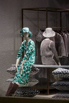 MaxMara: SS15 Collection Windows By www.chameleonvisual.com