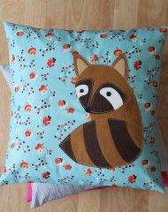 Raccoons in Love by @Rachael E (imagine gnats) for @Pellon Projects Projects #sew #pillow