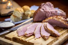 How to Grill a Ham with a Fan Favorite Recipe Weber Recipes, Thanksgiving Ham, Sweet Dinner Rolls, Holiday Recipes, Dinner Recipes, Grilled Ham, I Grill, Smoked Ham, Holiday Dinner