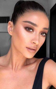 trendy summer bronzed makeup