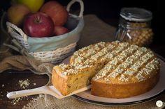 Torta di mele vegan con aquafaba e senza zucchero -dal sapore semplice e dalla consistenza umida, ideale per non rinunciare al dolce a merenda o colazione.