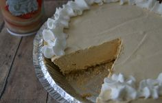 Peanut Butter Pie Recipe Desserts with graham cracker crusts, milk, peanut butter, vanilla instant pudding, whipped topping Easy Peanut Butter Pie, Peanut Butter Recipes, Easy Desserts, Delicious Desserts, Yummy Food, Pie Dessert, Dessert Recipes, Pie Recipes, Dessert Ideas