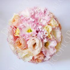 Menyasszonyi csokor pasztell színekben, barack, púder rózsaszín és krém Floral Wreath, Wreaths, Flowers, Plants, Decor, Decoration, Decorating, Door Wreaths, Flora