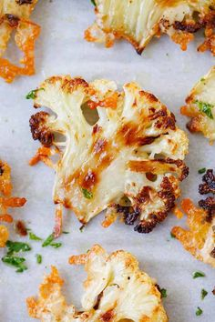Parmesan Roasted Cauliflower – the most delicious cauliflower ever, roasted with butter, olive oil and Parmesan cheese. Pin this clean eating recipe to make as a side dish for your next weeknight dinner. Side Dish Recipes, Vegetable Recipes, Vegetarian Recipes, Cooking Recipes, Healthy Recipes, Vegetarian Barbecue, Burger Recipes, Veggie Food, Healthy Cooking