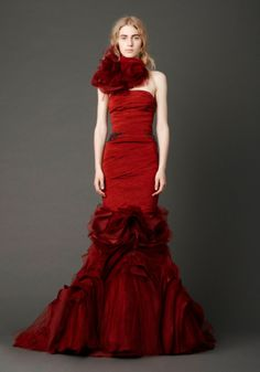 Vera Wang red wedding dresses are popular indeed. These designer red wedding dresses are much worn by the well-known people. For you who are now seeking for a Vera Wang red wedding dress, here we s… Vera Wang Bridal, Vera Wang Wedding, Vera Wang Gowns, Vera Wang Dress, Wedding Dress Sizes, Colored Wedding Dresses, Bridal Gowns, Wedding Gowns, 2017 Wedding
