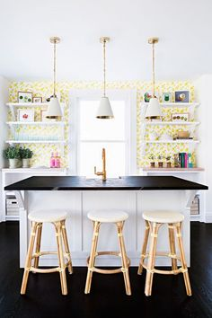 How to decorate the kitchen wall? One of the beneficial we can do is applying kitchen wallpaper. With this article will give some kitchen wallpaper ideas. Kitchen Wallpaper Design, Kitchen Design, Ikea, Style Me Pretty Living, Online Home Decor Stores, Online Shopping, Country Kitchen, Decoration, Home Furniture