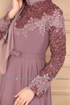 Modesty Fashion, Hijab Fashion, Fashion Outfits, Long Dress Fashion, Indian Fashion Dresses, Simple Long Dress, Kalamkari Dresses, Beautiful Pakistani Dresses, Muslim Women Fashion