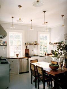 Browse stylish kitchen decor inspiration, furniture and accessories on Domino. See all our favorite kitchens and styles. Find furniture ideas, kitchen appliances and paint colors for your kitchen. Eat In Kitchen, Kitchen Dining, Kitchen Decor, Kitchen Ideas, Family Kitchen, Kitchen Cabinets, Dining Room, Kitchen Appliances, Kitchen Gallery
