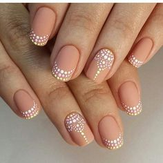 French Nail Art designs are minimal yet stylish Nail designs for short as well as long Nails. Here are the best french manicure ideas which are gorgeous. French Nails, French Manicures, Nail Polish Designs, Nail Art Designs, Nails Design, French Manicure With Design, Unique Nail Designs, Salon Design, Nude Nails