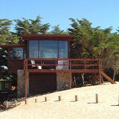 #Casa Arq. Rodolfo Ravier Foto: Arq. Heber Guruciaga ------------------------------------------- Seguinos en  Twitter: espacioyconfort ============================== #architecture #arquitectura #home  #paisajismo #house #archimasters #facade #arqfoto #coolhouse #beachhouse #architecturephoto #arquifoto #fachada #wood #summerhouse #archigram #coolhome #arquigram #casaenlaplaya #lasgaviotas #Argentina by espacioyconfort