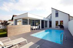 Anbau mit Aussenanlage : Moderner Balkon, Veranda & Terrasse von K3- Planungsstudio