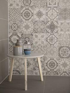 Tile Wallpaper, Moroccan Tiles, Color Tile, Kitchen Backsplash, Home And Living, Sweet Home, New Homes, Room Decor, Tile Flooring