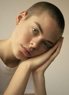 Anna Rubin - female model at Le Management