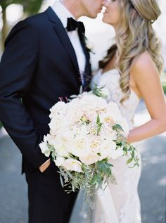 Dahlia and rose wedding bouquet: http://www.stylemepretty.com/2016/12/28/this-is-why-getting-married-in-napa-is-wedding-goals-to-the-max/ Photography: Jessica Burke - http://www.jessicaburke.com/