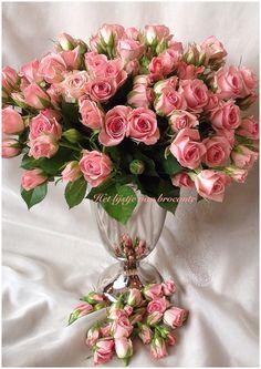 Sweet little roses......by Silvia Hokke