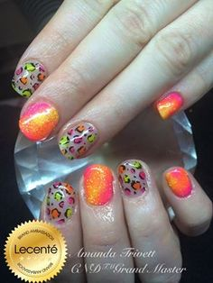 Amanda Trivett uses CND Shellac with #Lecenté Neon Shadow & #glitters (Banana, Tangerine & Champagne Pink) with handpainting design #nails #nailart #lovelecente