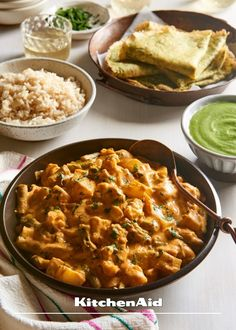 This vegan potato curry with cauliflower and beans is delicious. Serve this curry with cilantro mint chutney and chickpea crepes for an incredible dinner. Potato Cauliflower Curry, Vegan Potato Curry, Vegetarian Curry, Cauliflower Recipes, Vegetarian Recipes, Indian Food Recipes, Whole Food Recipes, Green Bean Curry, Dhal Recipe