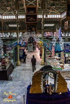 Luces de Navidad 2014 en el Mercado de El Fontan en Oviedo, Asturias. España.