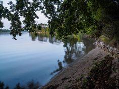 balade au lever du jour dans l'anse de Porz Garo sur L'Odet à marée haute  - à Gouesnac'h   © Paul Kerrien  https://en-photo.fr Finistère Bretagne