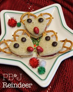 It's a fact - some kids (and some adults) are PB&J crazy! Create a lite Christmas lunch for the kids this year with these wonderful Christmas reindeer. Pretzels for antlers, M&M's for nose and eyes. The kids (and adults) will love them!