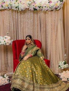 Wedding Lehnga, Bridal Lehenga, Bouquet Wedding, Wedding Nails, Sikh Bride, Punjabi Bride, Indian Bridal Outfits, Indian Fashion Dresses, Dream Wedding Dresses