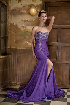 Trumpet/Mermaid Sweetheart Chiffon Crystal Sweep/Brush Train Evening Dress