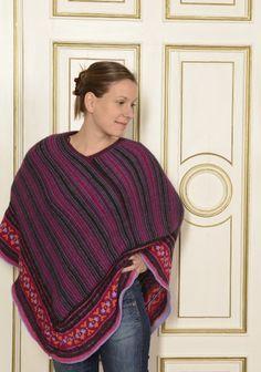 Dieser bunte Poncho wurde aus Kremke Soul Wool Alpaka 100 superfine gestrickt. Das Muster ist sehr einfach zu stricken. Das Garn findet ihr hier: www.schmeichelgarne.de