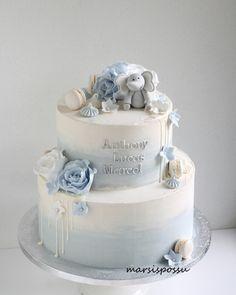Mini Mouse Birthday Cake, Baby Boy Birthday Cake, Baby Boy Cakes, Cakes For Boys, Baby Shower Deco, Baby Shower Cakes, Simple Baptism Cake, Bolo Glamour, Baby Boy Christening Cake