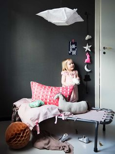 Rom for småfolk – for Kamille Mor & Barn Interior Photography, Bean Bag Chair, Toddler Bed, Barn, Lounge, Couch, Interior Design, Kids, Furniture