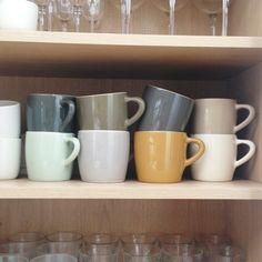 Tea time! I love my @brickettdavda mugs.
