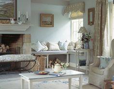 un luogo immaginario, una piccola casa nella campagna inglese..con un grazioso…