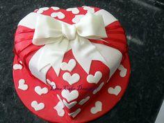 Bolo Coração para Chá de Cozinha - heart cake
