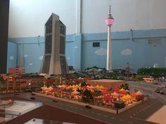 """Nicht nur in Hamburg, sondern auch in Malaysia können Besucher ein Miniatur Wunderland besuchen. Die Exponate von """"MinNature"""" wurden zu großen Teilen mit 3D-Druckern hergestellt. Die Entwicklungsarbeit umfasste acht Jahre.Das Malaysische Miniatur Wunderland trägt die Bezeichnung MinNatur Malaysi"""