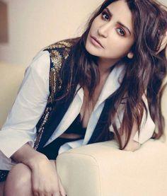 beautiful Anushka Sharma who looks sizzling hot in latest issue of Filmfare @Bollywood