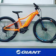 Das neue E-Junior von ⭐GIANT⭐ 2020 kommt mit Yamaha Motor, 400Wh Akku und unter 2000€ 👍 @giantbicycles @giantgermany @livbikes…