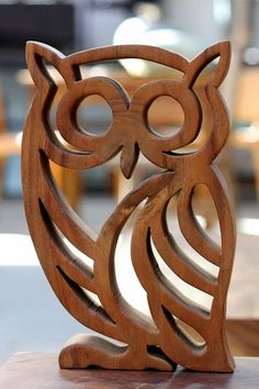 Wooden Owl Wooden Animals Diy Wood Projects Wood Crafts Scroll Saw Patterns Craft Show Ideas Wood Toys Dremel Pyrography Wood Carving Patterns, Wood Carving Art, Wood Patterns, Diy Wood Projects, Wood Crafts, Diy Crafts, Intarsia Holz, Scroll Saw Patterns Free, Wooden Animals