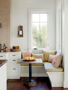 Furnishing ideas - Paris apartments as a model for beautiful interior design - home furnishings ideas kitchen set up small dining area - Kitchen Set Up, Small Kitchen Tables, Kitchen Benches, Tiny House Ideas Kitchen, Kitchen Designs, Tiny House Kitchens, Kitchen Ideas For Small Spaces, Ikea Small Kitchen, Kitchen Decor