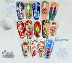 Jana Duzanec Christmas Nails