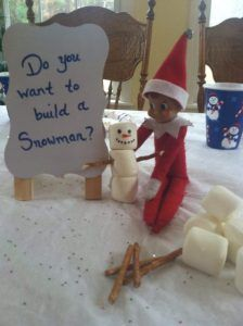 2016 Elf on the Shelf Calendar and 85 Ideas! Free Printable Calendar - - Autumn breezes…leaves turning…tall boots and big, cozy sweaters…bonfires. Yes, fall is around the corner and I am posting ELF ON THE SHELF ideas, haha! It's never too early …. Elf Ideas Easy, Awesome Elf On The Shelf Ideas, Elf Is Back Ideas, Elf On The Shelf Ideas For Toddlers, Album Design, Noel Christmas, Merry Christmas, Christmas Activities, Christmas Traditions