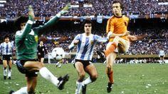 Luis Galván, Ubaldo Fillol, Jorge Olguín and Rob Rensenbrink (Argentina 3-1 Netherlands - 1978 FIFA World Cup Final - 25/06/1978).