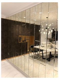 Dining Room Mirror Wall, Mirror Panel Wall, Mirror Wall Tiles, Living Room Mirrors, Wall Panel Design, Home Entrance Decor, Tinted Mirror, Home Room Design, Wall Cladding