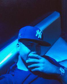 "- Romeo Santos ( ""What is it about a blue song that y'all luv so much? Joseph Gordon Levitt, Romeo Santos, Daddy Yankee, Selena Quintanilla, Jenni Rivera, Celebrity Travel, Celebrity News, Shaytards, Divas"