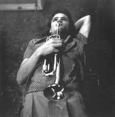 Chet Baker, Dreaming, Hollywood, 1954 - photo by William Claxton William Claxton, Cool Jazz, Miles Davis, Jazz Artists, Jazz Musicians, Billie Holiday, Chet Baker, Idole, All That Jazz