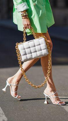 Look Fashion, Fashion Bags, Spring Fashion, Womens Fashion, Preppy Style, My Style, Designer Sandals, Luxury Bags, Fashion Stylist