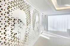 Corporate or fashion retail - printed backlit wall (minimal illusion)
