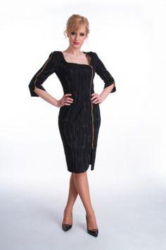 Bardzo elegancka stylizacja i stylowa sukienka, która mi się bardzo spodobała. Fajne wzięcie. Sukienka wizytowa jak się patrzy :)
